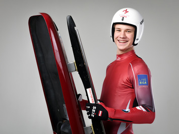 Latvia-luge-junior-team-20181123-155